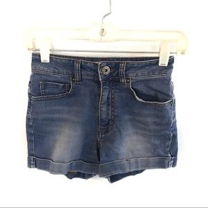Bullhead Mom Shorts cuffed Size 3